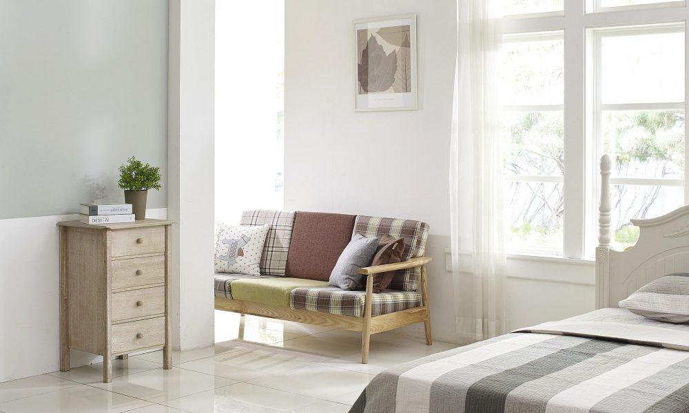 Décorer l'intérieur de son salon avec des objets simples